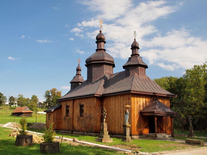 Cerkiew prawosławna z trzema wieżami