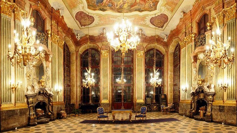 Znalezione obrazy dla zapytania zamek książ wnętrza