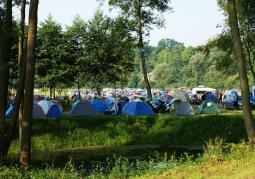 Pole namiotowe i kempingowe