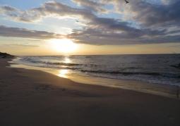 Plaża o zachodzie słońca