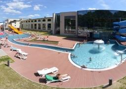 Panorama zewnętrznych basenów