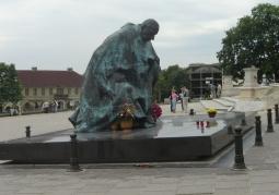 pomnik kard. Stefana Wyszyńskiego