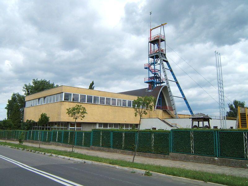 Budynek Muzeum Górnictwa i szyb 'Anioł'