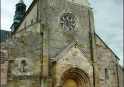 Romański kościół