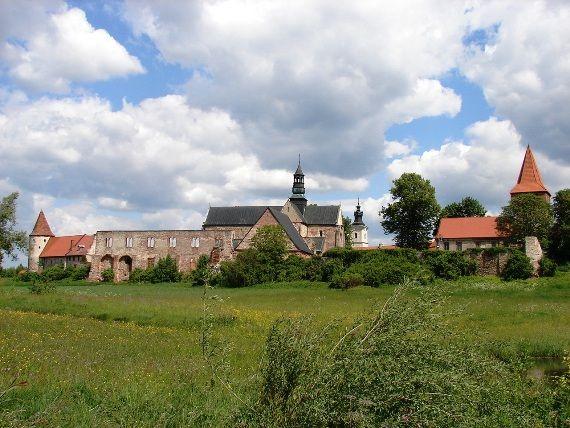Opactwo cystersów w Podklasztorzu