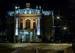 Teatr Lalek nocą