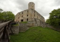 Wjazd do zamku Lipowiec