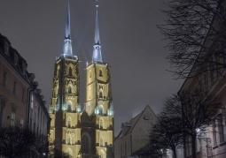 Katedra wieczorową porą