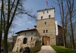 Zamek rycerski - Korzkiew