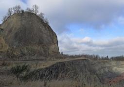 Wilcza Góra wraz z wyrobiskiem kamieniołomu