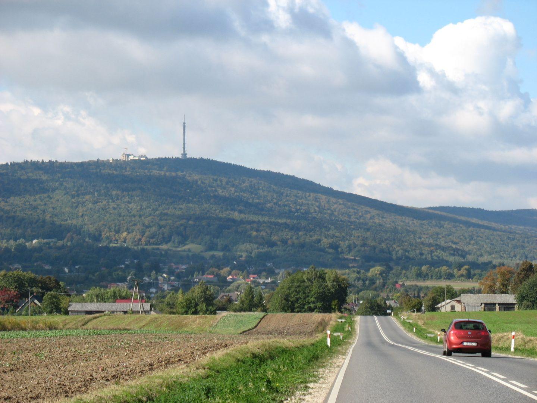 Widok na Łysą Górę z okolic Starej Słupi