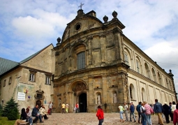 Klasztor przed odbudową wieży
