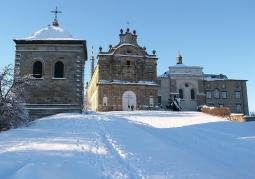 Klasztor zimą