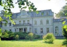 Pałac i otaczający go park