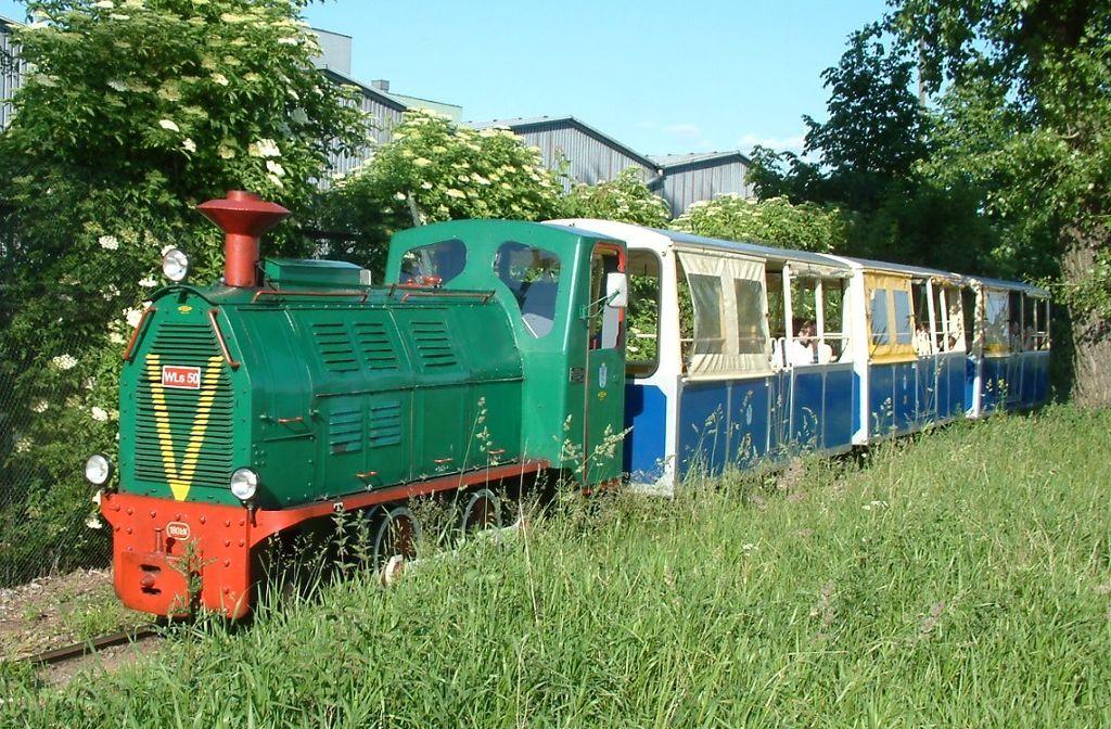 Pociąg ciągnięty przez lokomotywę