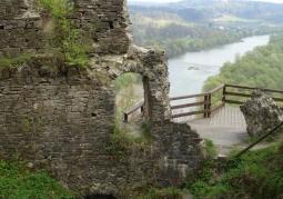 Ruiny i widok na okolicę