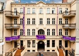 Front Blooms Hostel, Inn & Apartments Poznan