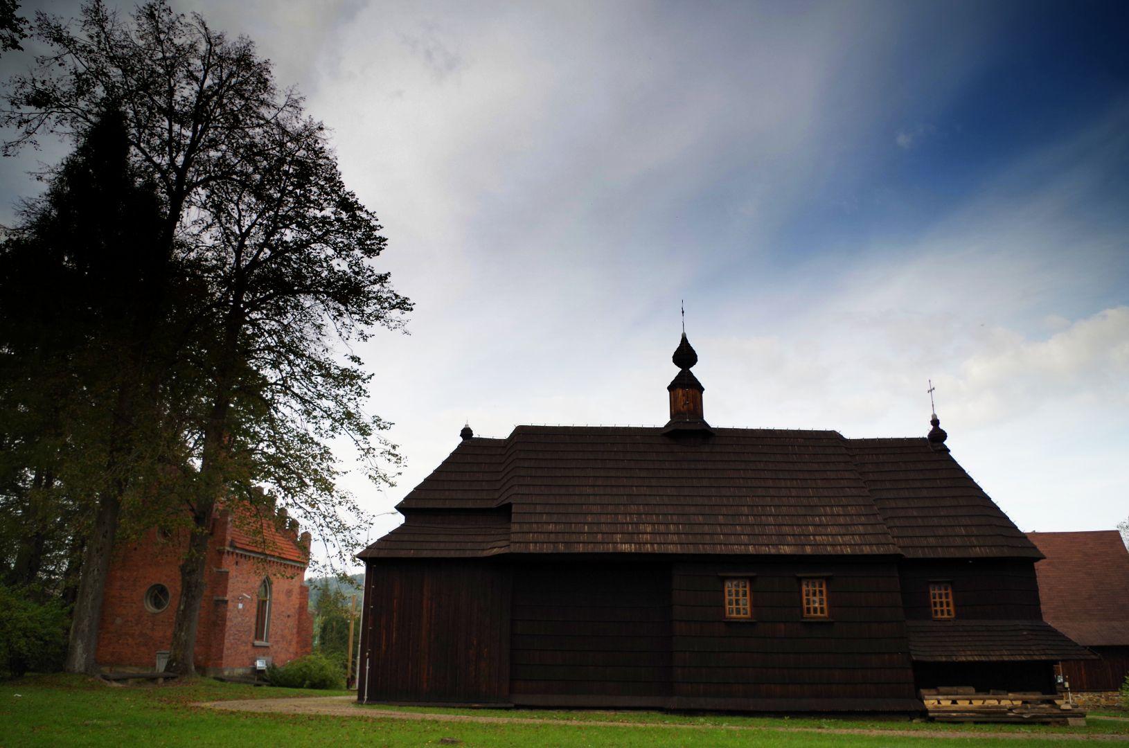 Cerkiew w Ustjanowej, widok boczny