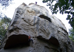 Wspinaczka skalna - Skałka Leska w Glinnem