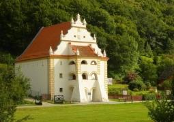 Zabytkowe spichlerze - Kazimierz Dolny