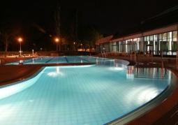 Aquapark nocą