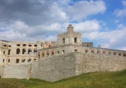 Południowe skrzydło zamku w Ujeździe