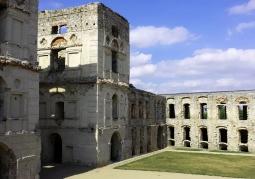 Wewnętrzny dziedziniec zamku