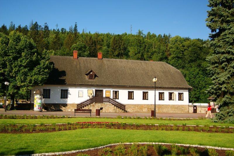 Zabytkowy budynek muzeum
