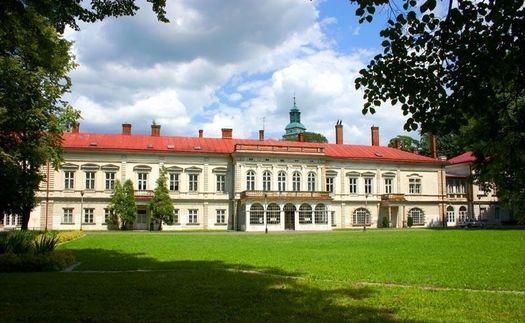 Pałac latem
