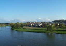 Rzeka San i widok na miasto