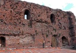 Zamkowe mury