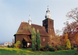 Drewniany zabytkowy kościół w Bachlawie
