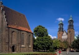 Bazylika archikatedralna Świętych Apostołów Piotra i Pawła - Poznań