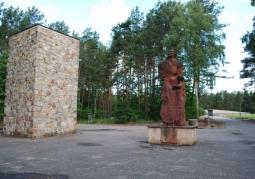 Pomnik pamięci ofiar obozu