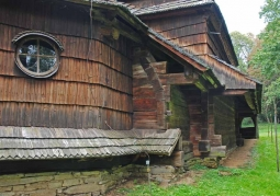 Zrębowa konstrukcja cerkwi