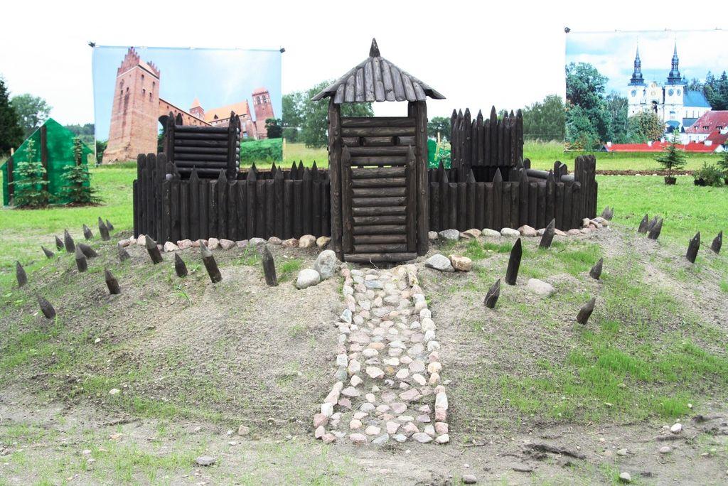 Miniatura Grodu Pruskiego w Parku Zabytków Warmii i Mazur