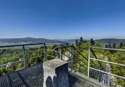 Widok na Gorce z platformy widokowej