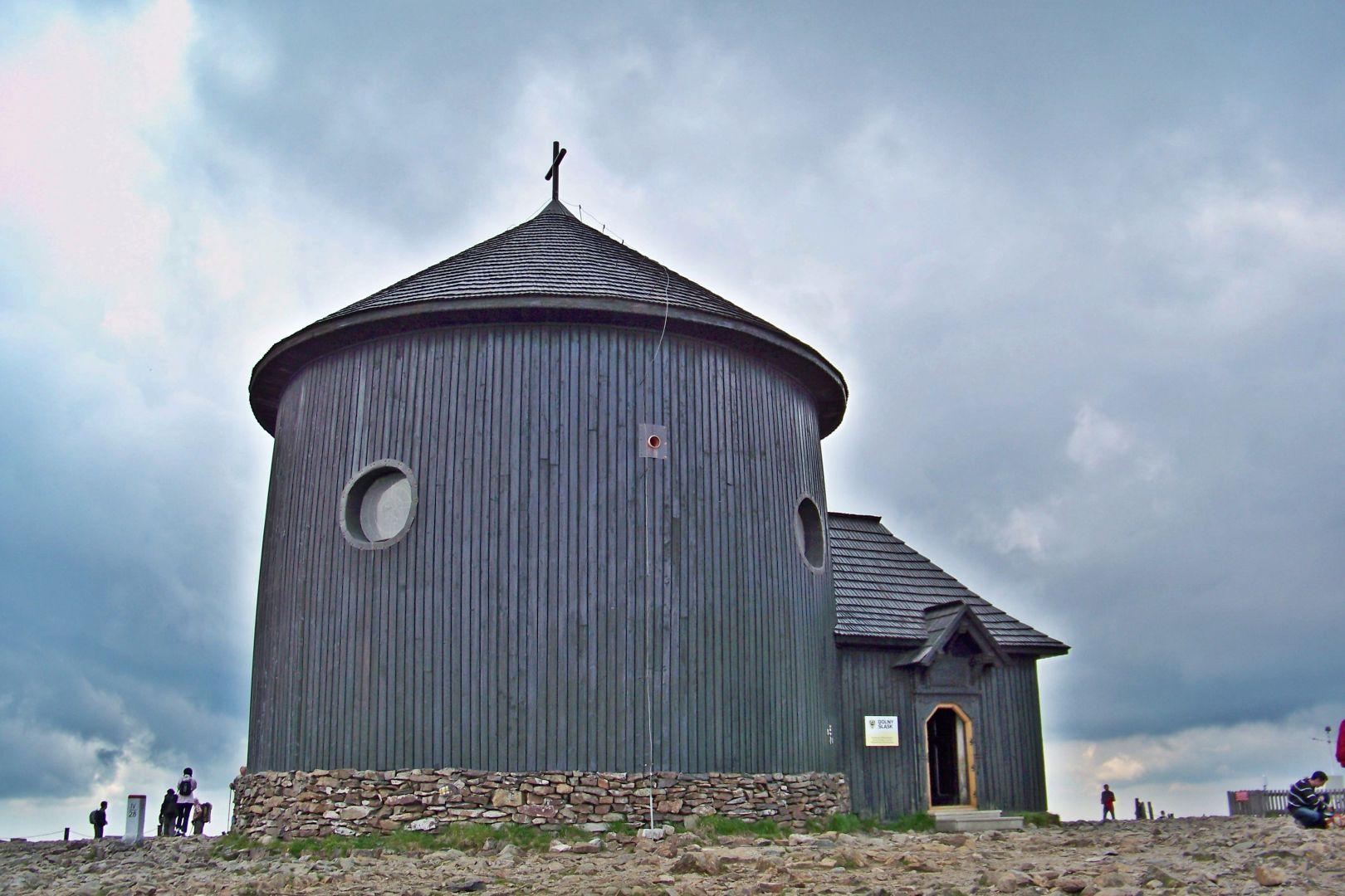 Drewniany gmach kaplicy