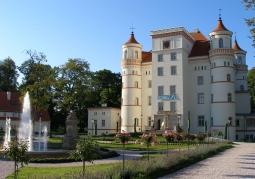 Pałac oraz park